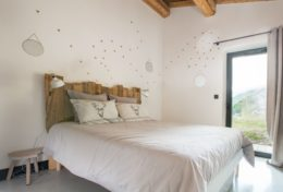 alpine-retreat-bedroom-2